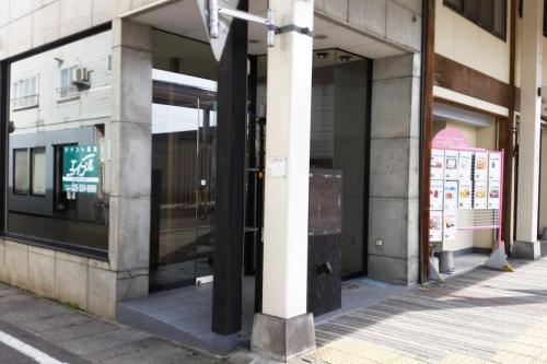 T111(空き店舗・高田)